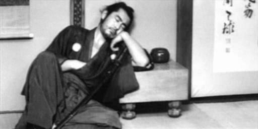 Дзен, демонстрация, грубость нравов или что-то другое? Спящий самурай.<br /> Акира Куросава. Цубаки Сандзюро. Отважный телохранитель.